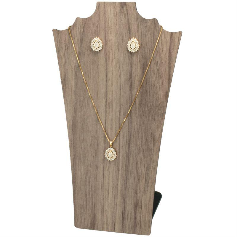 expositor-colar-madeira
